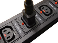 抜け防止 C13ロック電源コンセントバー(PDU)